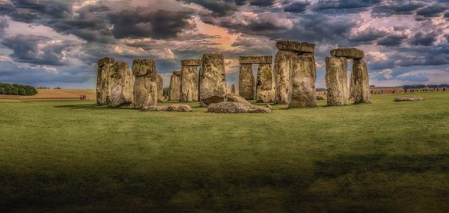 stonehenge-1590047_960_720